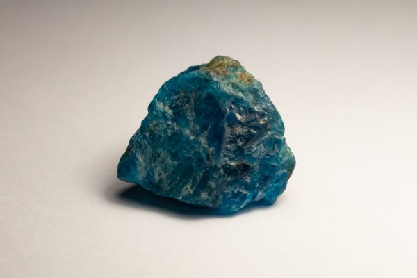 blue-apatite-rough